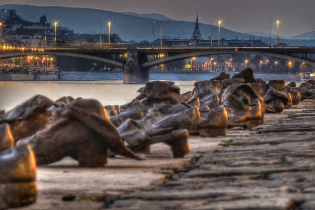 shoes on the danube bank budapest1